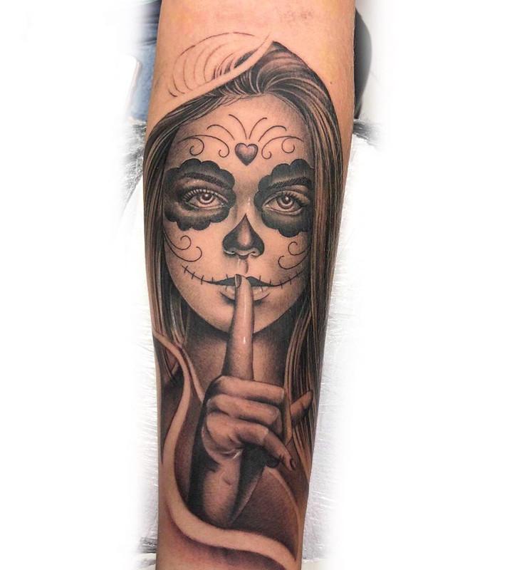 纹身图样          卖蓝猫的曹先生小臂乌鸦纹身图案         李先生图片