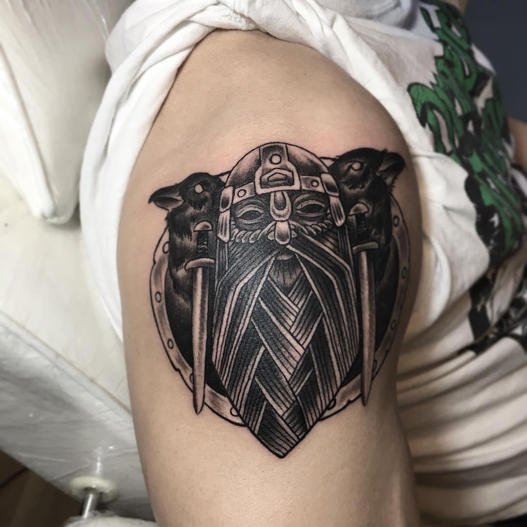 纹身图样          大臂彩色麋鹿蓝色妖姬纹身图案         传统龙